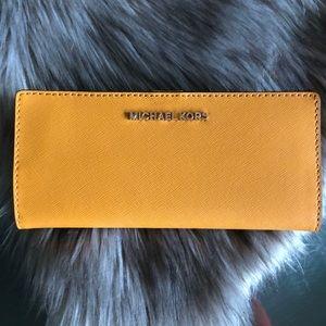 ‼️$75 BLACK FRIDAY‼️ MK Slim Leather Wallet